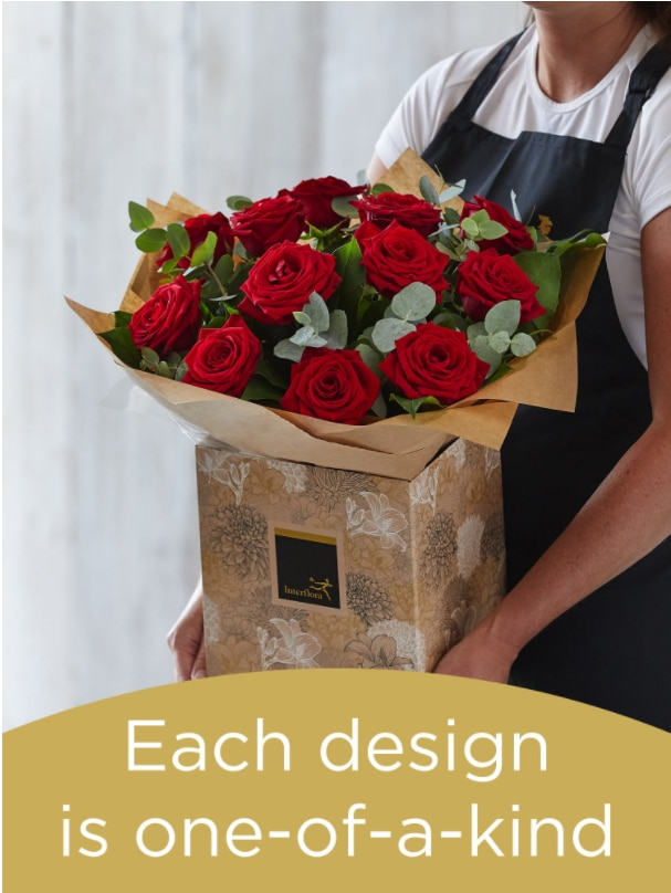 Hand-tied Bouquet of 12 Roses Flower Arrangement