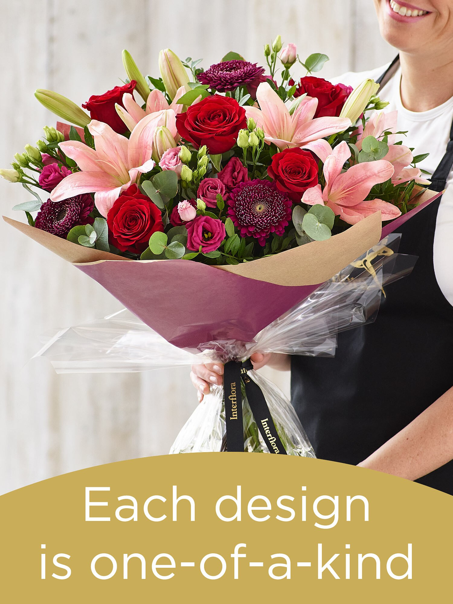 Valentine's hand-tied bouquet Flower Arrangement